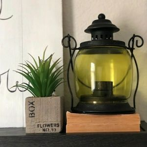 Other - Small vintage inspired lantern